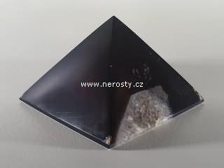achát + pyramida