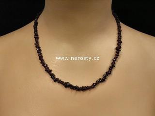 almandin + náhrdelník sekaný