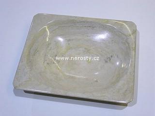 aragonit + hranatý talířek