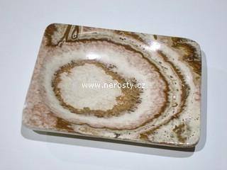 aragonit + hranatý talířek + kazový