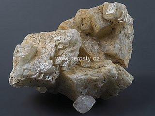 dolomit + kalcit + křišťál