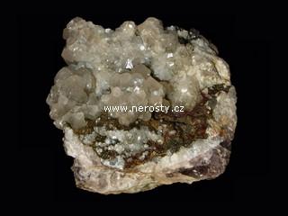 kalcit + pyrit