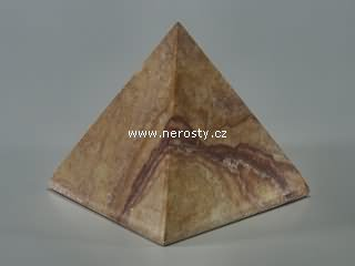 kombarbalit + pyramida