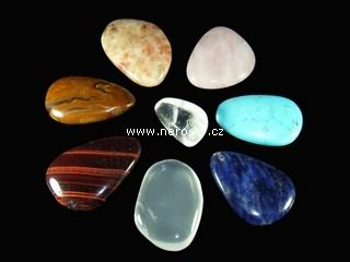 cakrove-kameny