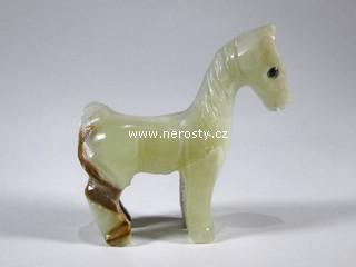 kůň, aragonit