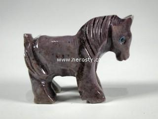 kůň, kalcit