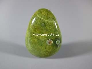 zeleny-kamen