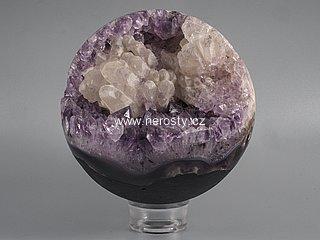 ametyst s krystaly, kalcit