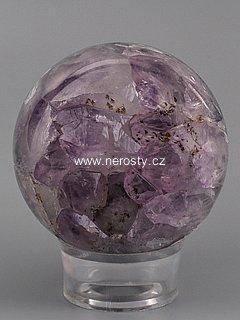 ametyst-s-krystaly