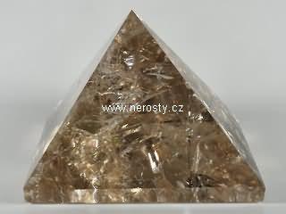 záhněda, pyramida