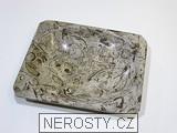 vápenec s fosíliemi,hranatý talířek