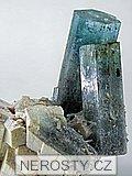 akvamarín, albit