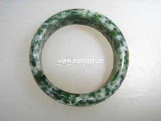 mramor + zelený + prsten