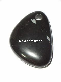 obsidián + vločkový + vrtaný kámen