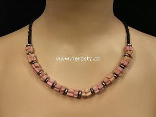 plameňák náhrdelník + korálky