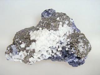 pyrit + manganokalcit + galenit