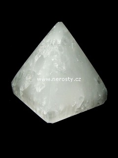selenit + pyramida