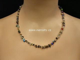 směs kamenů + korálky + náhrdelník