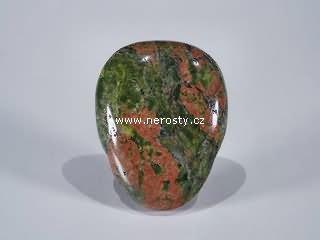unakit + vrtaný kámen